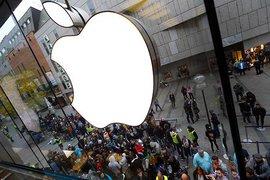 Apple планирует окольцевать пользователей iPhone