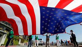 Старшекласснице отказали в медицинской помощи в школе за то, что не принесла патриотическую клятву США