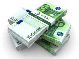 Евросоюз готов платить более 4 тысяч евро в месяц 'разрушителям российских мифов'
