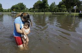 У Хьюстона большие проблемы: город уходит под воду