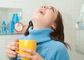 полоскание горла, полоскать горло, народных средств, для лечения горла, народные средства лечения горла, народной медицины, чем правильно полоскать горло, чем можно полоскать горло