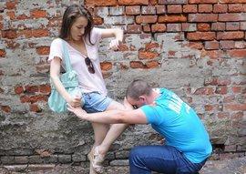 Женская самозащита. Как заставить убежать нападавшего