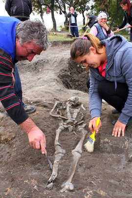 вампир, скелет, раскопки