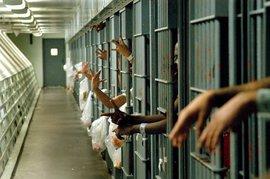 Более 200 психически больных детей в Британии 'упекли' в тюрьмы