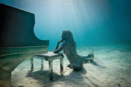 рояль, русалка