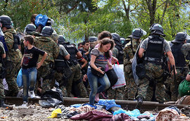 Европа начинает обвинять США в наплыве беженцев