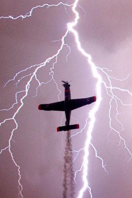 самолет, молния
