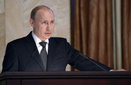 Владимир Путин выступил на итоговой коллегии ФСБ России и предупредил сотрудников спецслужб, что в период выборов 2016 и 2018 годов их ждёт много работы. Что имел в виду президент: