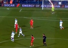 ВИДЕО: На матче Черногория-Россия вратаря Акинфеева покалечили файером