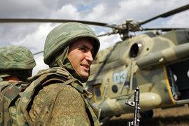 Москвичам продемонстрировали новую коллекцию одежды в стиле российских военных. А вы бы носили что-то подобное?